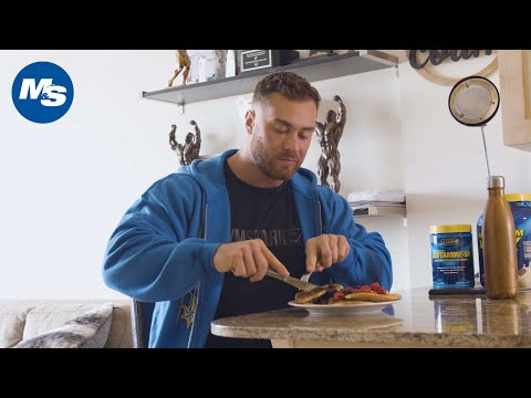 What Pro Bodybuilders Eat for Breakfast   Chris Bumstead's Favorite Meal 1