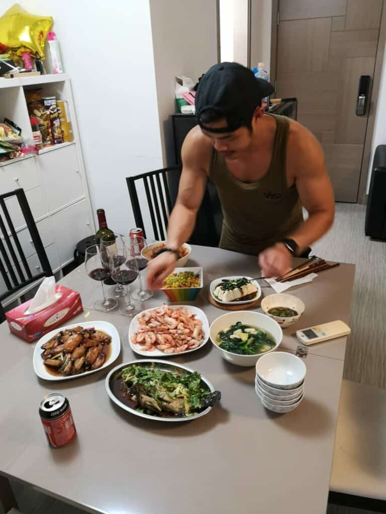 I ate 6 meals a day as a 130lb skinny guy